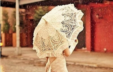 Decorating with lace parasol
