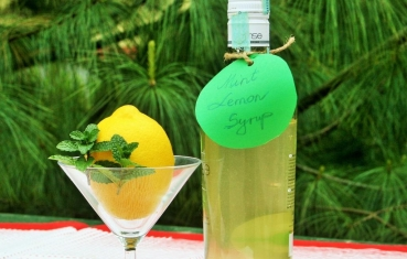 Homemade mint lemon syrup