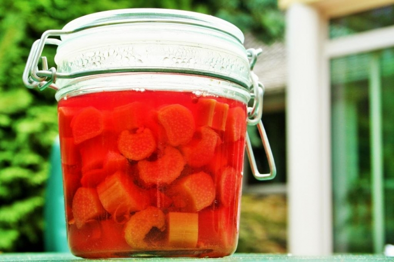 Rhubarb pickles