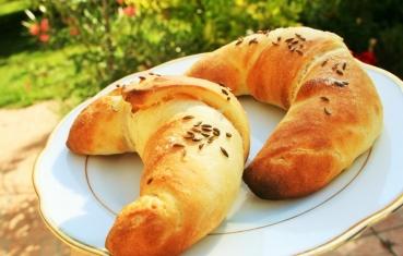 Salt and cumin crescent rolls