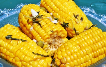 Mexican spicy corn on the cob