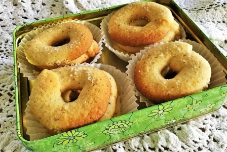 Danish butter cookies (Vaniljekranse)