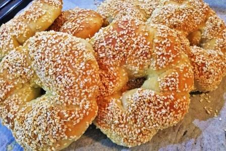 Simit (sesame bread rolls)