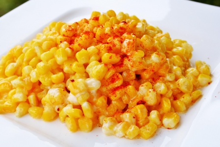 Buttered corn with mayonnaise