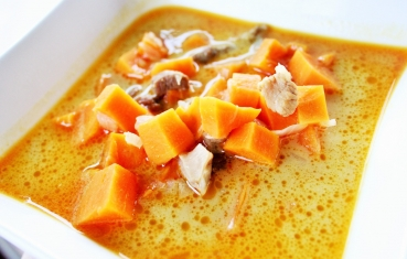 Vietnamese sweet potato soup with coconut