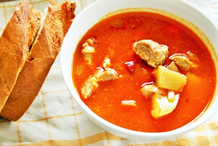 Goulash soup (Gulyas leves)