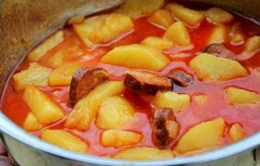 Potato paprika with sausage