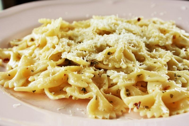 Pasta con aglio, olio e pepperoncino